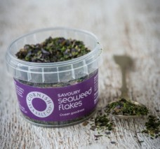 seaweed-flakes-pinch-pot